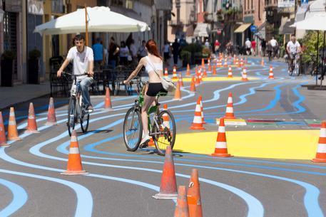 Onde colorate sull'asfalto per rilanciare centro di Cremona